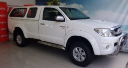 Used 2011 Toyota Hilux 3.0D-4D 4×4 Raider Legend 40 for sale in Cape Town